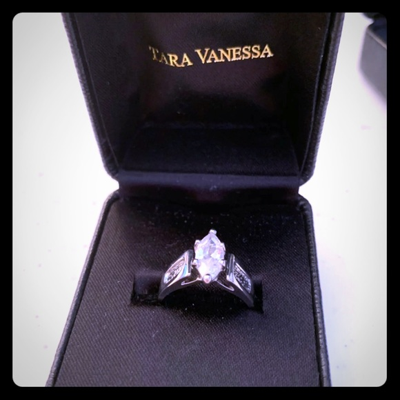 Tara Vanessa Jewelry - Crystal Tara Vanessa Ring